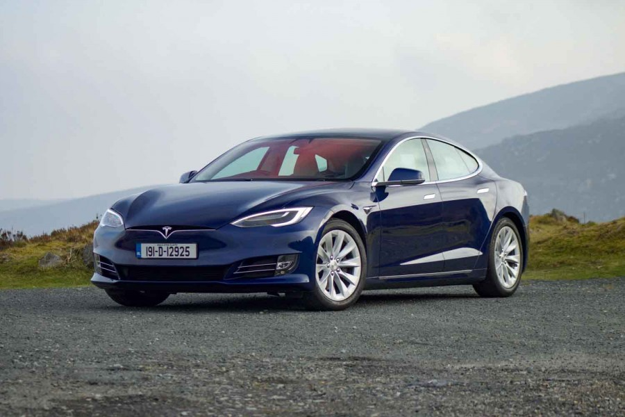 Car Reviews | Tesla Model S 100D Long Range (2019) | CompleteCar.ie
