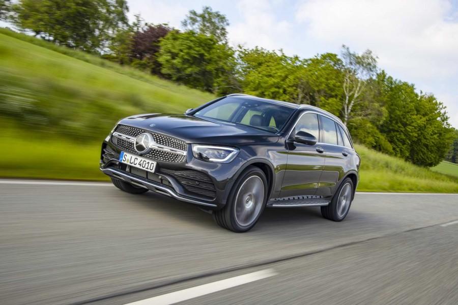 Car Reviews | Mercedes-Benz GLC 300 d diesel (2020) | CompleteCar.ie