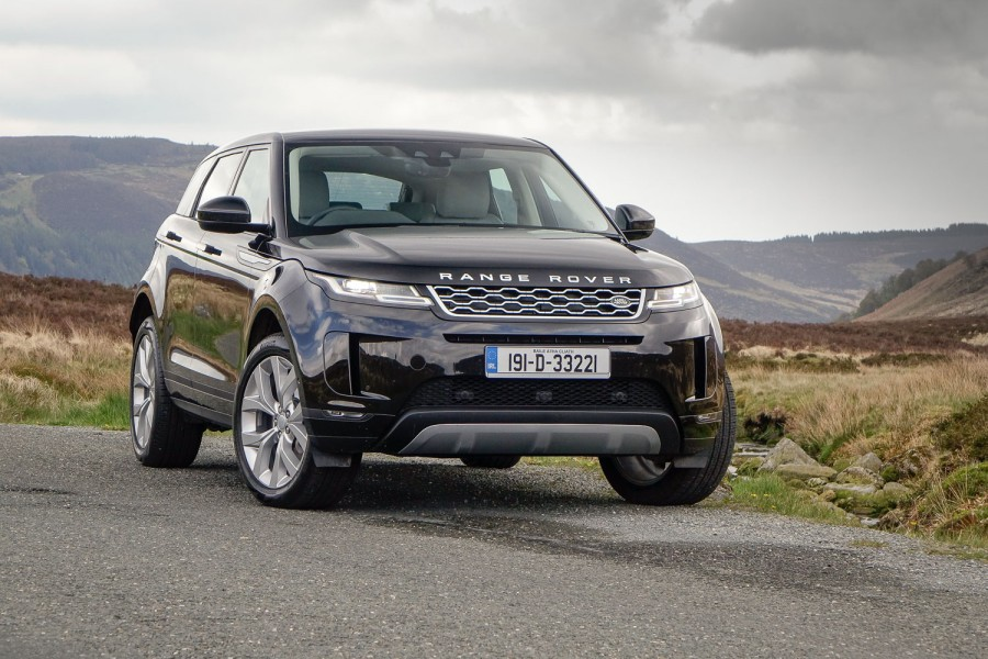 Car Reviews | Range Rover Evoque 2.0 D 150 AWD (2019) | CompleteCar.ie