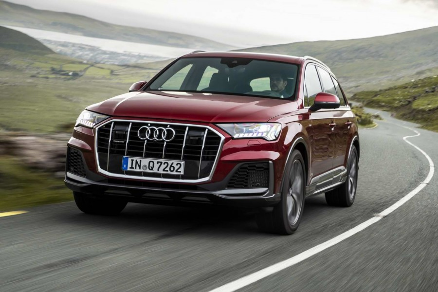 Car Reviews | Audi Q7 3.0 TDI (2020) | CompleteCar.ie
