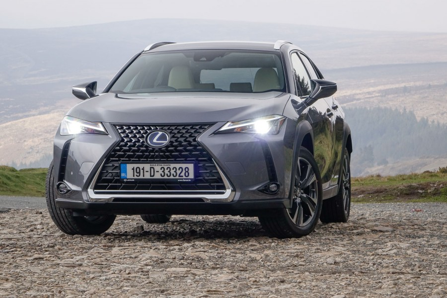 Car Reviews | Lexus UX 250h (2019) | CompleteCar.ie