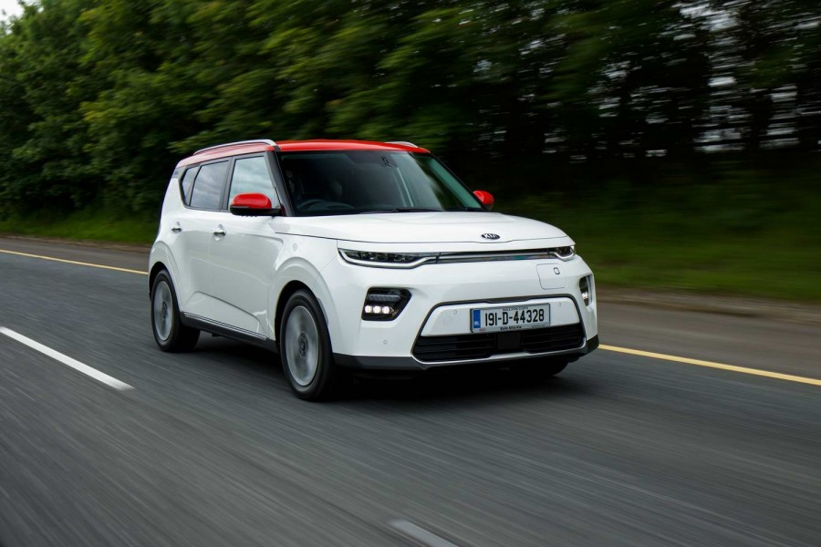 Car Reviews | Kia e-Soul (2019) | CompleteCar.ie