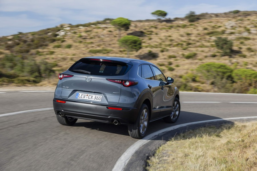 Car Reviews | Mazda CX-30 SkyActiv-D diesel (2020) | CompleteCar.ie