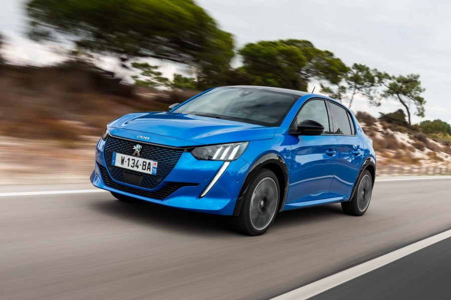 Car Reviews | Peugeot e-208 (2020) | CompleteCar.ie
