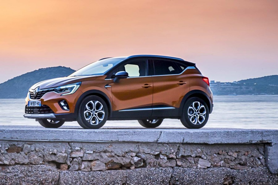 Car Reviews | Renault Captur 1.3 TCe 130 (2020) | CompleteCar.ie