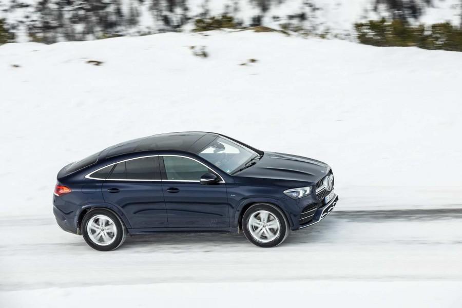 Car Reviews | Mercedes-Benz GLE 350 de hybrid Coupe (2020) | CompleteCar.ie