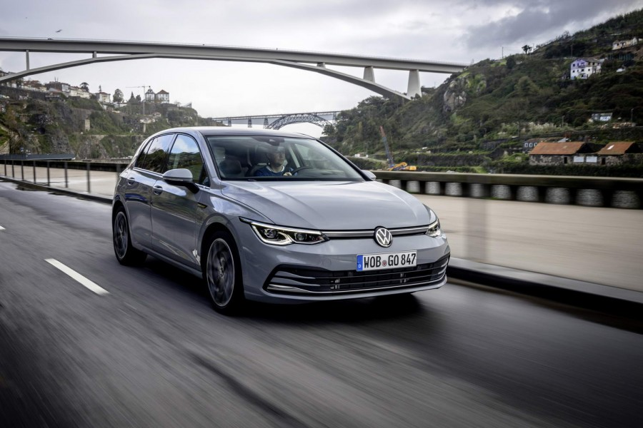 Car Reviews | Volkswagen Golf 1.5 eTSI petrol (2020) | CompleteCar.ie