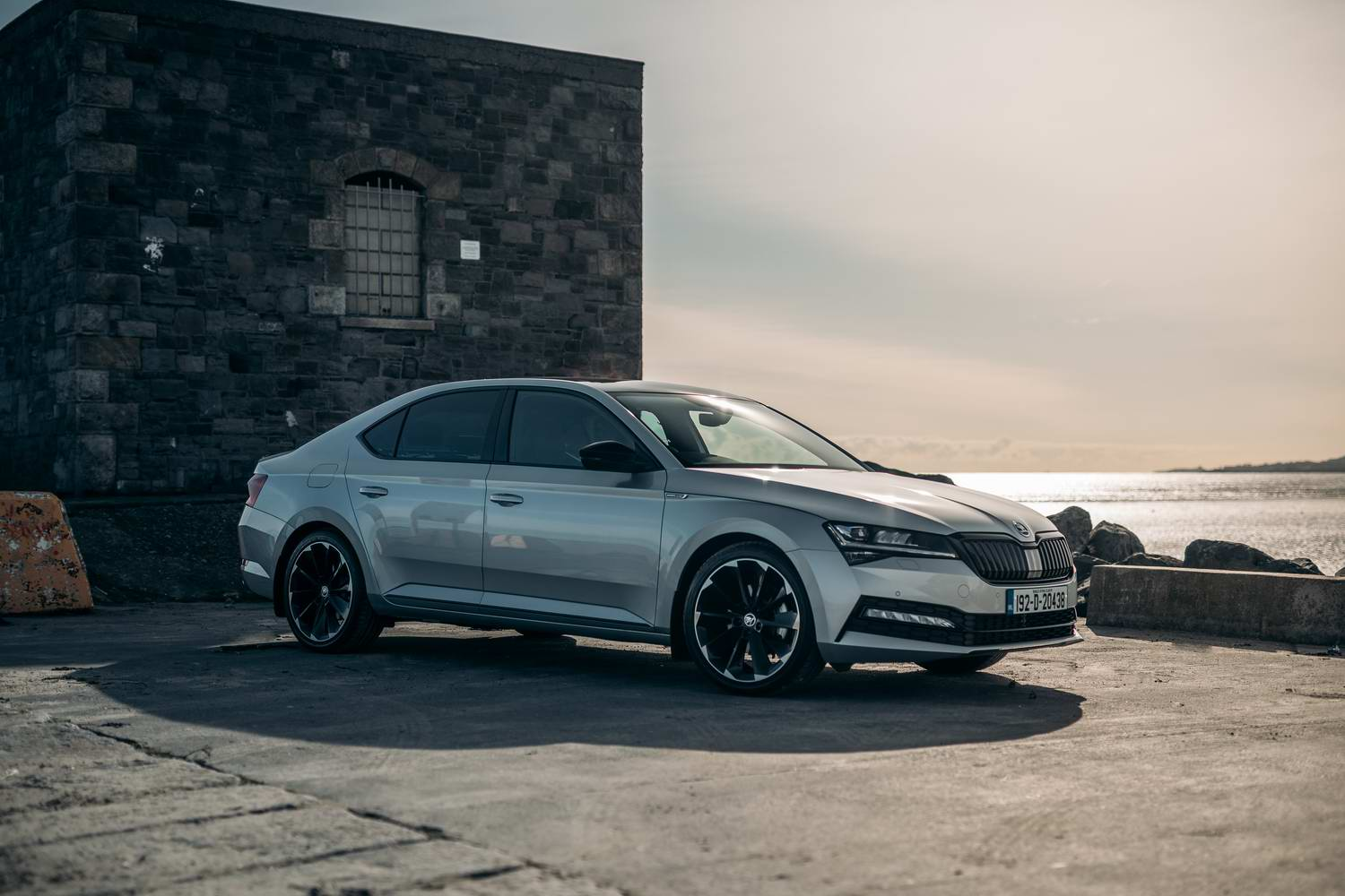 Car Reviews | Skoda Superb 1.5 TSI Sportline (2019) | CompleteCar.ie