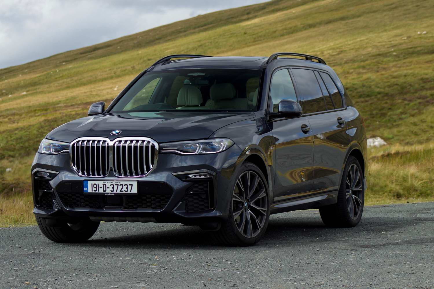 Car Reviews | BMW X7 xDrive30d (2019) | CompleteCar.ie