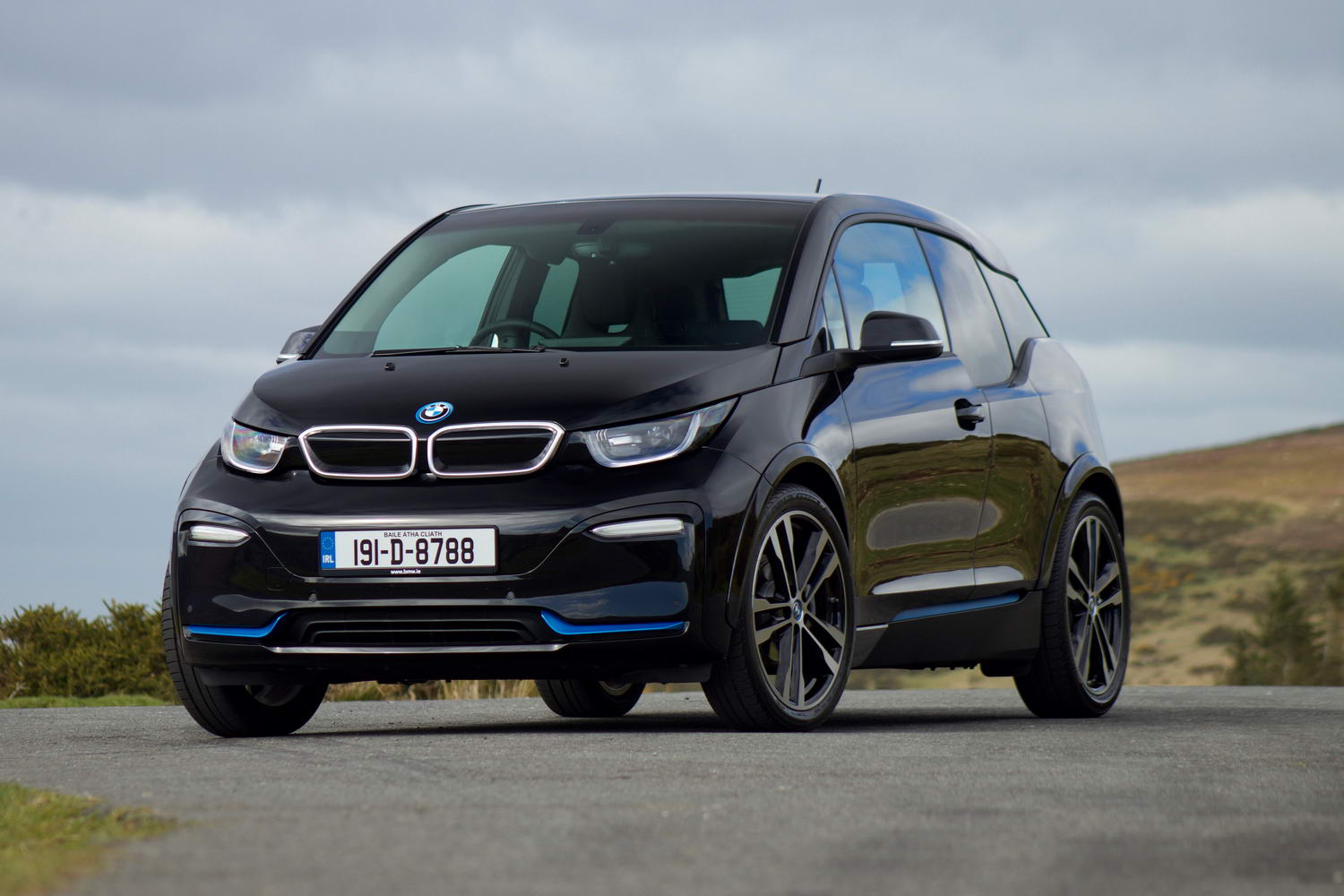 Car Reviews | BMW i3s 120Ah (2019) | CompleteCar.ie