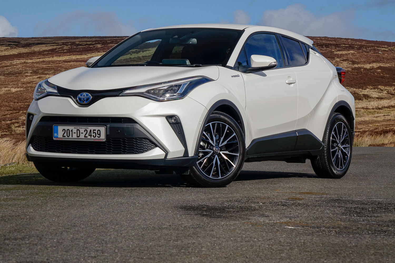 Car Reviews | Toyota C-HR 1.8 Hybrid (2020) | CompleteCar.ie