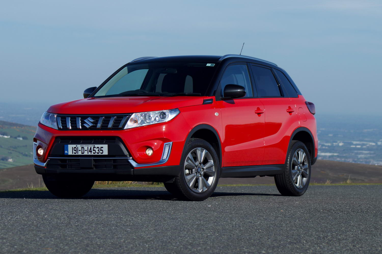 Car Reviews | Suzuki Vitara 1.0 petrol (2019) | CompleteCar.ie