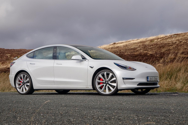 Car Reviews | Tesla Model 3 Performance (2020) | CompleteCar.ie